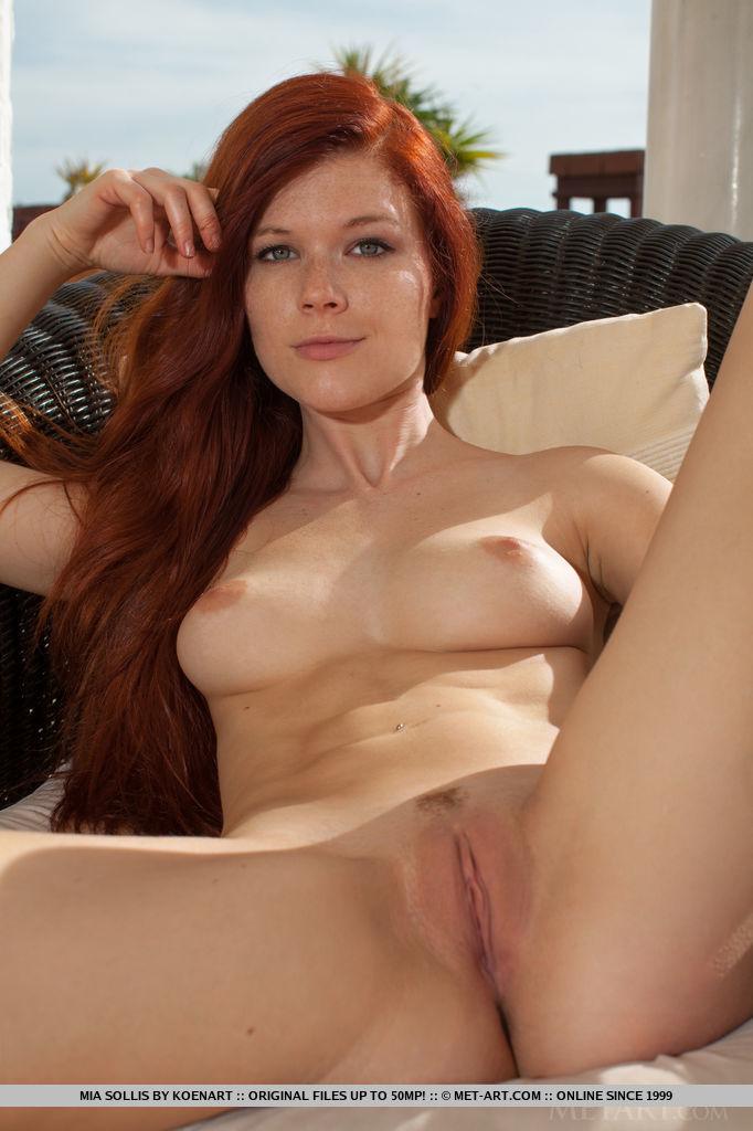 Busty milf wife nude selfie