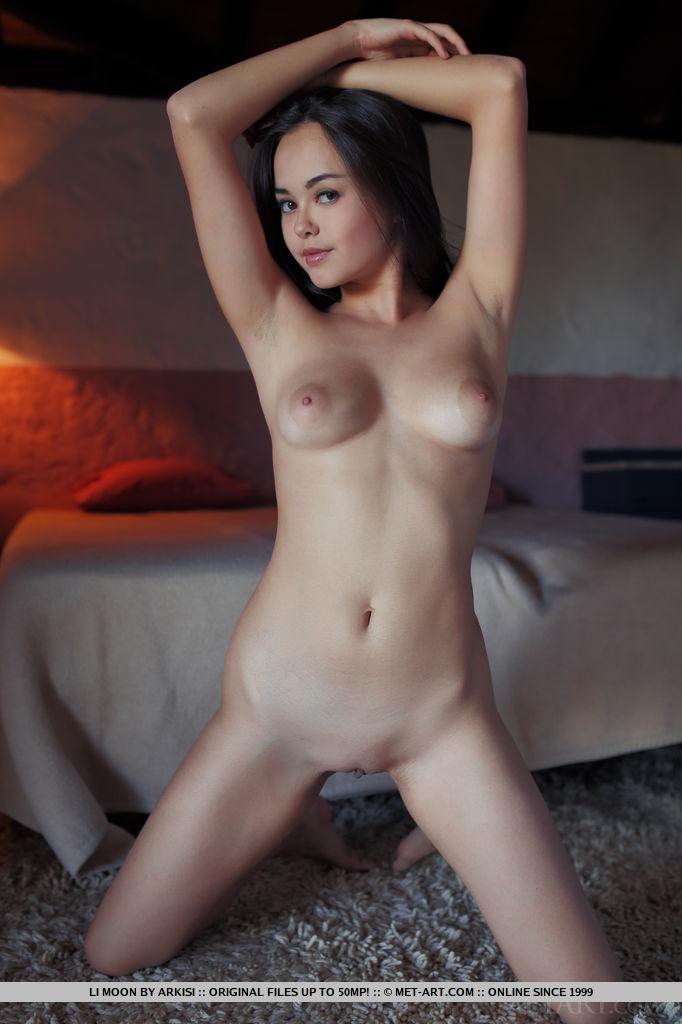 18 голые лет сучки