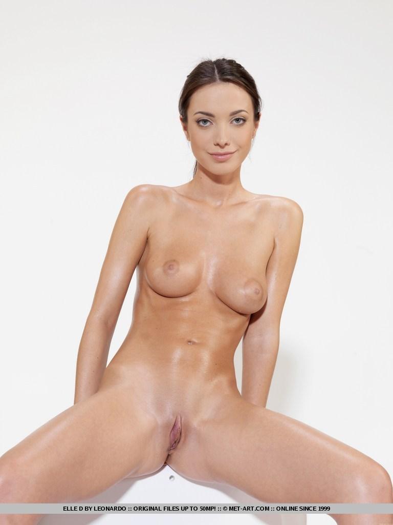 Beautiful nude women sweeting share your